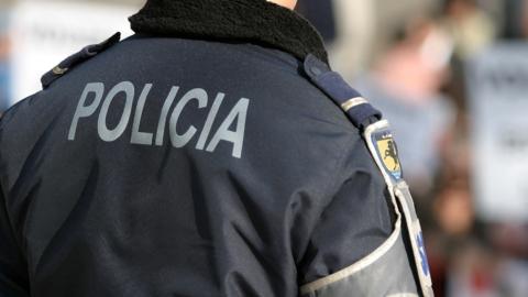 PSP DE GUIMARÃES DETÉM INDIVÍDUO POR SUSPEITA DE FURTO E BURLAS