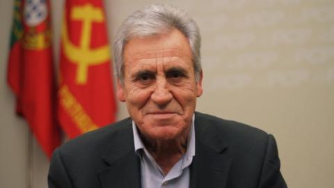 JERÓNIMO DE SOUSA DEBATE A PRECARIEDADE EM GUIMARÃES
