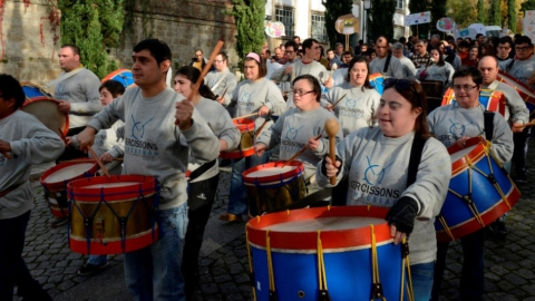"""""""CAMINHADA INCLUSIVA"""" EM GUIMARÃES ASSINALOU DIA INTERNACIONAL DAS PESSOAS COM DEFICIÊNCIA"""