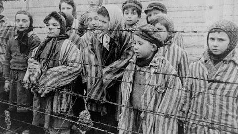 O DIA INTERNACIONAL EM MEMÓRIA DAS VÍTIMAS DO HOLOCAUSTO