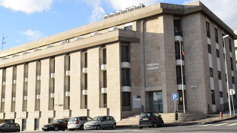ADIADO JULGAMENTO DO HOMEM ACUSADO DO HOMICÍDIO DE UMA PROSTITUTA NA CALDEIROA