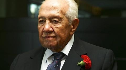 DOMINGOS BRAGANÇA LAMENTA MORTE DE MÁRIO SOARES