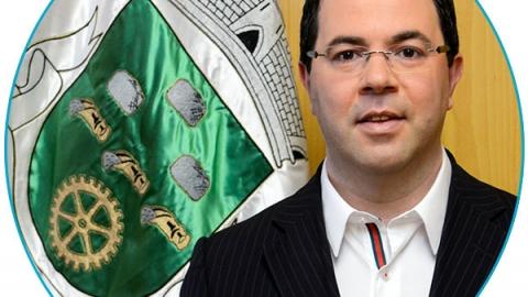 "URGEZES EM MOVIMENTO: ""POLITICA VS POLITIQUICE"""