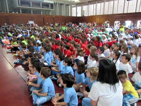 MILHARES DE CRIANÇAS CELEBRARAM A FESTA DO AMBIENTE