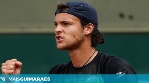 JOÃO SOUSA AVANÇA NO QUALIFYING DO MASTER DE PARIS