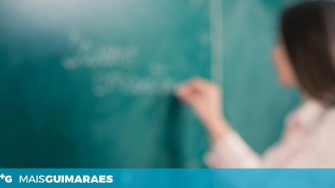 BLOCO DE ESQUERDA PODE FICAR DO LADO DOS PROFESSORES