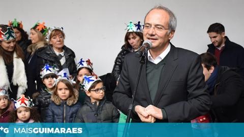 COROAS DE REIS FAZEM ARDER O FOGO DA POLÍTICA