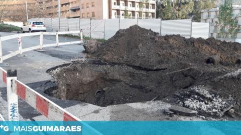 OBRAS CORTAM RUA DR FRANCISCO SÁ CARNEIRO