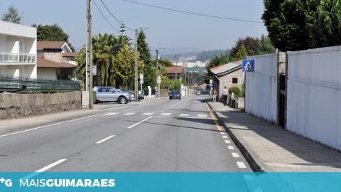 RUA ANTÓNIO COSTA DE GUIMARÃES INTERDITA DE TRÂNSITO ATÉ 05 DE MARÇO