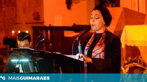 TERESA SALGUEIRO ENCANTOU AUDITÓRIO COM MÚSICA E ORAÇÃO