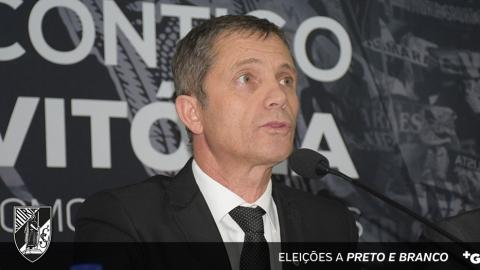 """JÚLIO MENDES: """"NINGUÉM QUER FICAR AGARRADO AO PODER"""""""