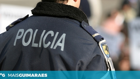 PSP DETEVE INDIVÍDUO POR DESACATOS NUM ESTABELECIMENTO COMERCIAL