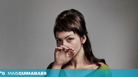 ANGEL OLSEN REGRESSA A GUIMARÃES