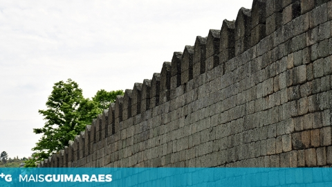 ARRANCARAM AS OBRAS NO ADARVE DA MURALHA