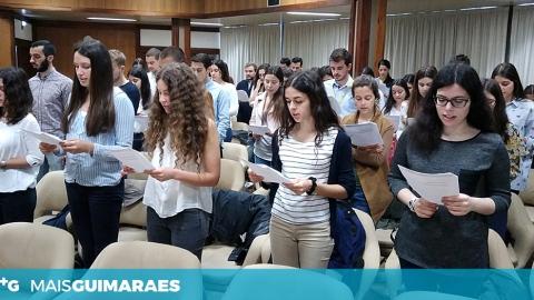 HOSPITAL ACOLHEU 54 ALUNOS DE MEDICINA