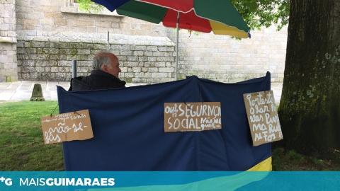 EX-UTENTE PROTESTA EM FRENTE À V.O.T. DE SÃO FRANCISCO