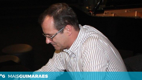 CARLOS SALGADO GUIMARÃES APRESENTA O SEU QUARTO LIVRO