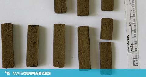 HOMEM DETIDO COM 360 DOSES DE HAXIXE