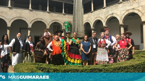 FEST'IN FOLK ABRE COM INAUGURAÇÃO DE EXPOSIÇÃO DE TRAJOS