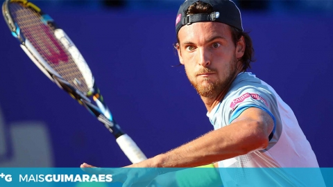 JOÃO SOUSA BATE NÚMERO 12 ATP E SEGUE NO US OPEN