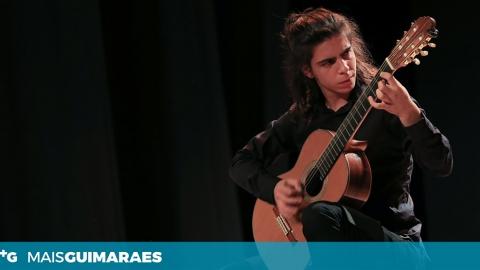 ROMEU LOURENÇO NO YOUNG GUITAR MASTERS