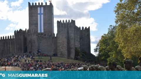 CENTENAS DE VIMARANENSES NA PARADA MILITAR