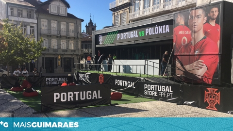MINI FAN ZONE NO LARGO DO TOURAL