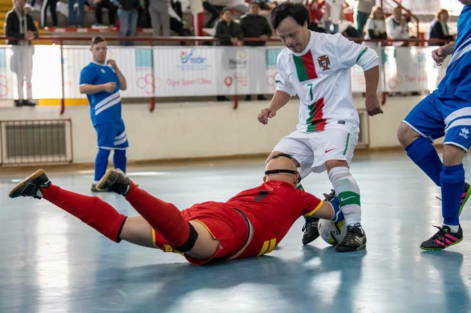 O atleta vimaranense Nélson Silva sagrou-se esta quinta-feira de manhã  campeão da Europa de Futsal – Síndrome de Down. Na final da competição 995290cbe8b87