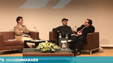 """EDUARDO FERREIRA APRESENTOU LIVRO """"REGRESSAR A CASA"""""""