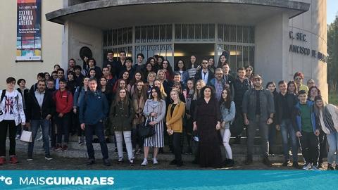 JOVENS ESTRANGEIROS EM GUIMARÃES À BOLEIA DO ERASMUS +