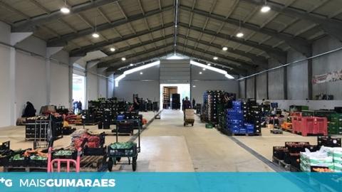 PRESIDENTE DA CÂMARA INAUGURA FEIRA GROSSISTA DE FRUTAS E LEGUMES