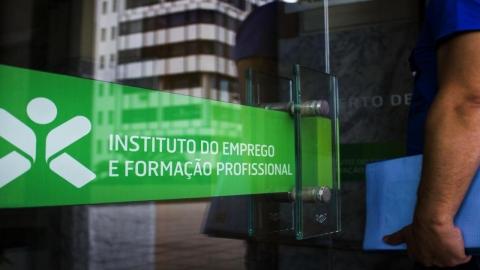 NÚMERO DE INSCRITOS NO IEFP DE GUIMARÃES DESCE APENAS 0,18% NO MÊS DE ABRIL