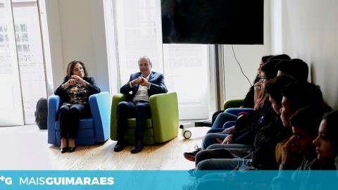 DOMINGOS BRAGANÇA REUNIU-SE COM JOVENS NO GABINETE DA JUVENTUDE