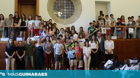 ALUNOS DE INTERCÂMBIO RECEBIDOS NA CÂMARA MUNICIPAL