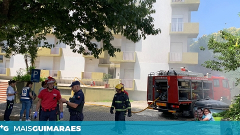 BV GUIMARÃES COMBATEM INCÊNDIO NO INTERIOR DE UM APARTAMENTO
