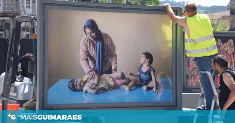 FOTOGRAFIA NO LARGO DO TOURAL