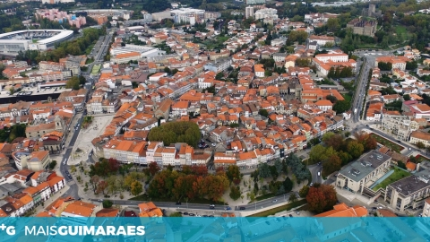 FESTAS DA CIDADE E GUALTERIANAS: CONDICIONAMENTOS DE TRÂNSITO