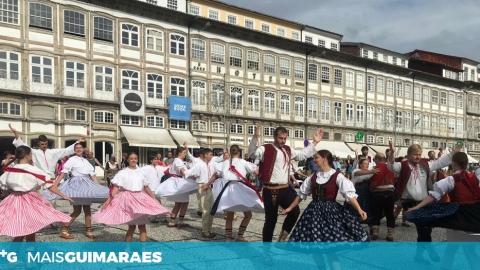 DESFILE DAS NAÇÕES PARTICIPANTES NO FEST'IN FOLK