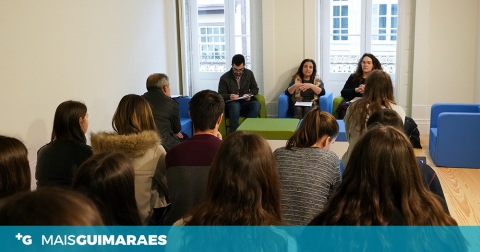 CMG CRIA BOLSA DE FACILITADORES DO PLANO MUNICIPAL DE JUVENTUDE