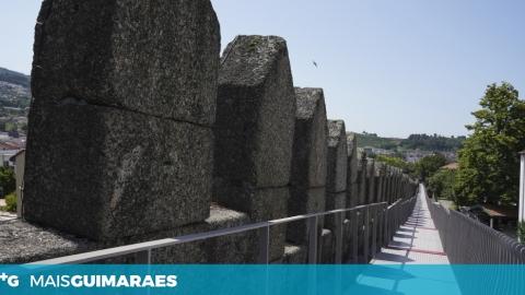ACESSIBILIDADE DO PERCURSO PEDONAL DA MURALHA QUESTIONADA