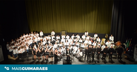 SOCIEDADE MUSICAL DE PEVIDÉM APRESENTA-SE NA FÁBRICA ASA