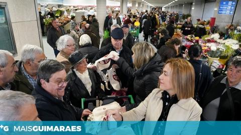 QUATRO MIL SACOS DE PANO JÁ CIRCULAM NO MERCADO MUNICIPAL