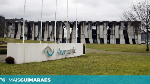 AVEPARK: DERRAME DE PRODUTO QUÍMICO LEVOU BOMBEIROS DAS TAIPAS AO LOCAL