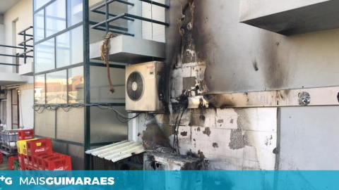 TAIPAS: INCÊNDIO DEFLAGRA NO EXTERIOR DO RESTAURANTE O DIPLOMATA